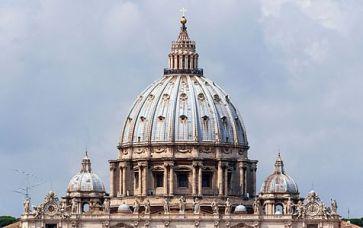 Cuppolas_Saint_Peter's_basilica,_Vatican_City